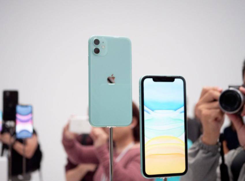 iPhone 11没设计没创新,还卖5499元!这款手机真的没优点?