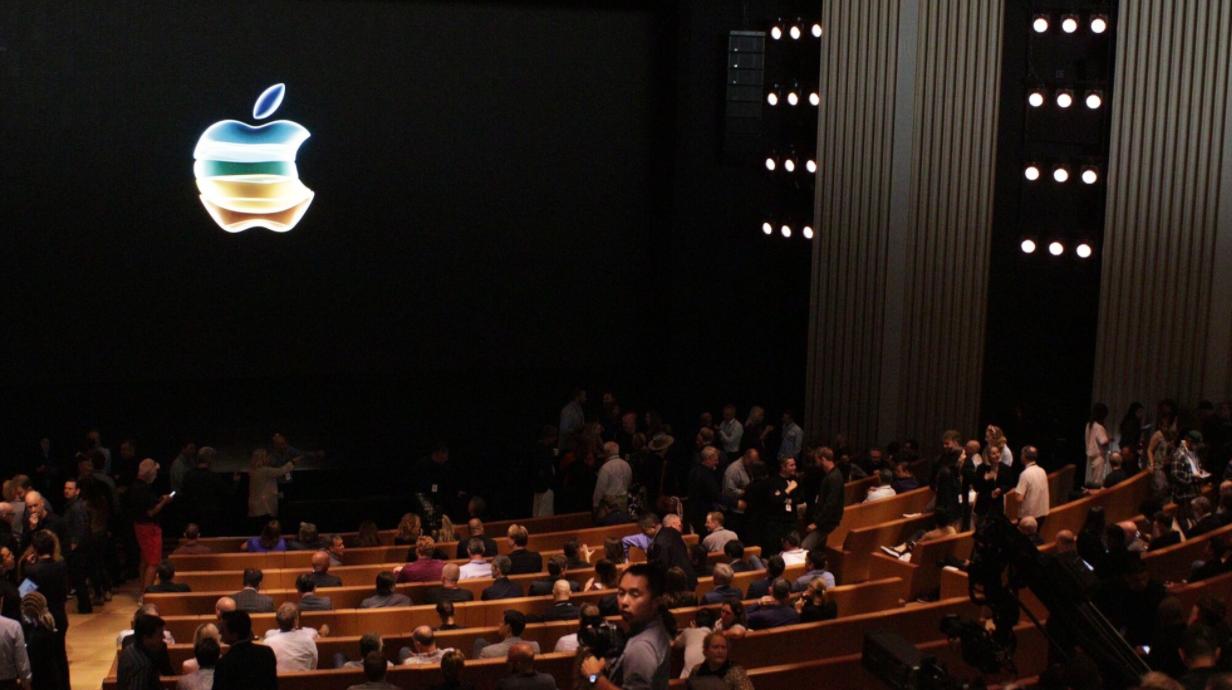 """苹果彻底怒了,发布会""""怒怼""""华为芯片,余承东一句话也没说!"""